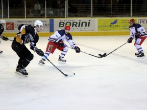 Chamonix ice hockey action